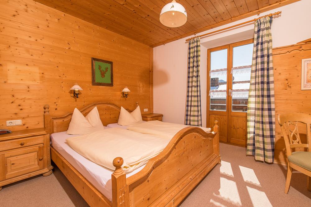 """Gut schlafen im Gästezimmer """"Alpenrose"""""""